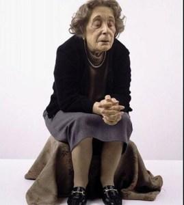 anziana-sedutamueck